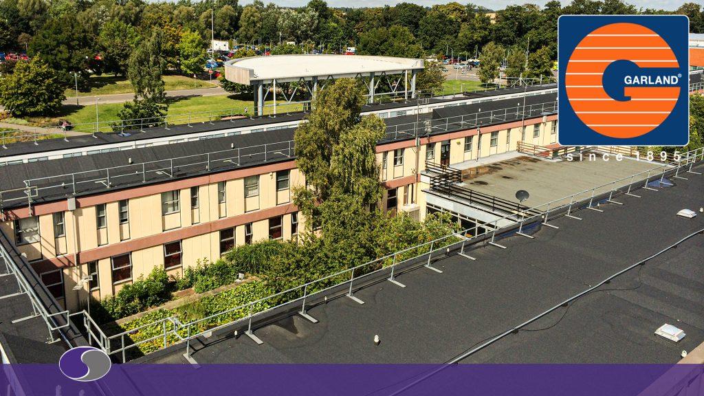 WHITE KNIGHT system-liquid-office-credit Garland UK.JPGWhite Knight roof installation byd UK